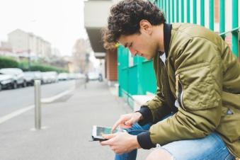 millennial-smart-phone